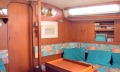 Cosy and bright saloon, settee converts to double berth