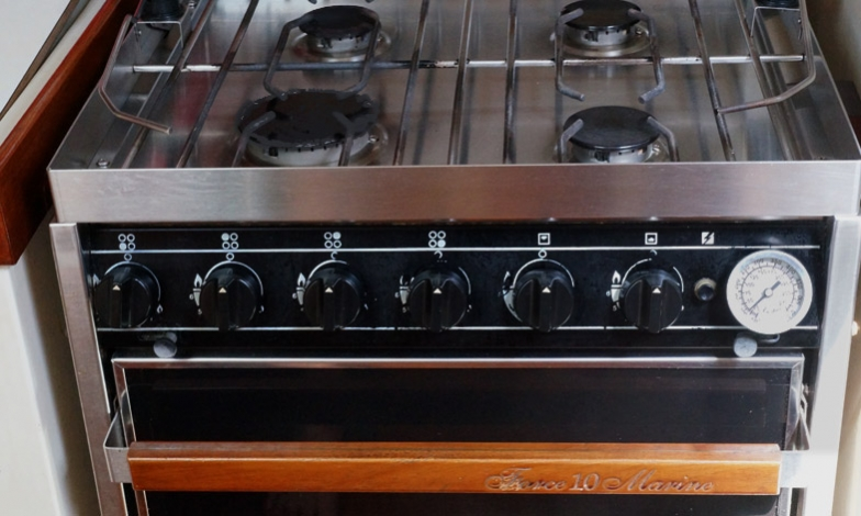 Force 10 marine stove, 4 burners, oven and broiler, easy to clean